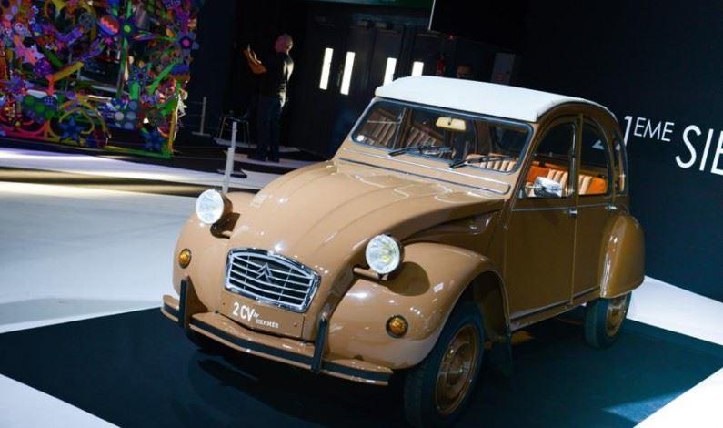 El Automóvil y la Moda en el Salón de París