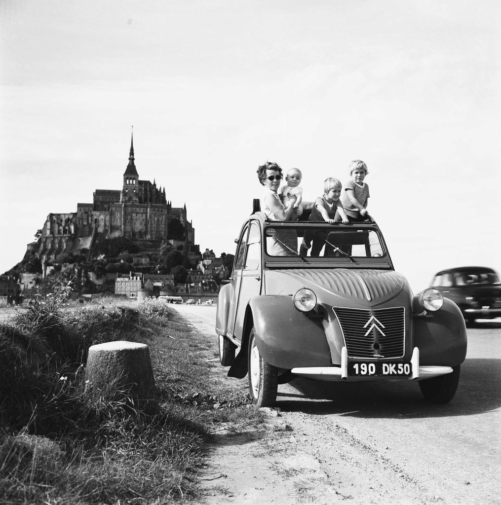 2CV_AZ_1959_©CITROEN_COMMUNICATION_GEORGES_GUYOT